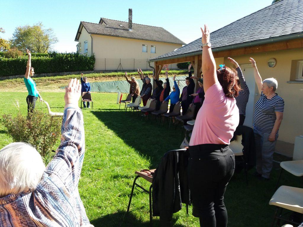 Le Point Info Seniors anime des ateliers comme la gym douce dans les résidences seniors du Lévézou (Alrance, Curan, Salles-Curan, ségur, Vezins de Lévézou, Villefranche de Panat) en Aveyron