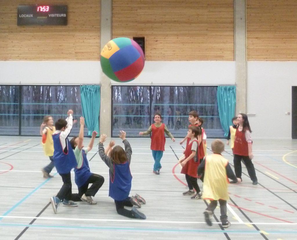 inscription des enfants aux écoles multisports animées par Fred sur le Lévézou en Aveyron