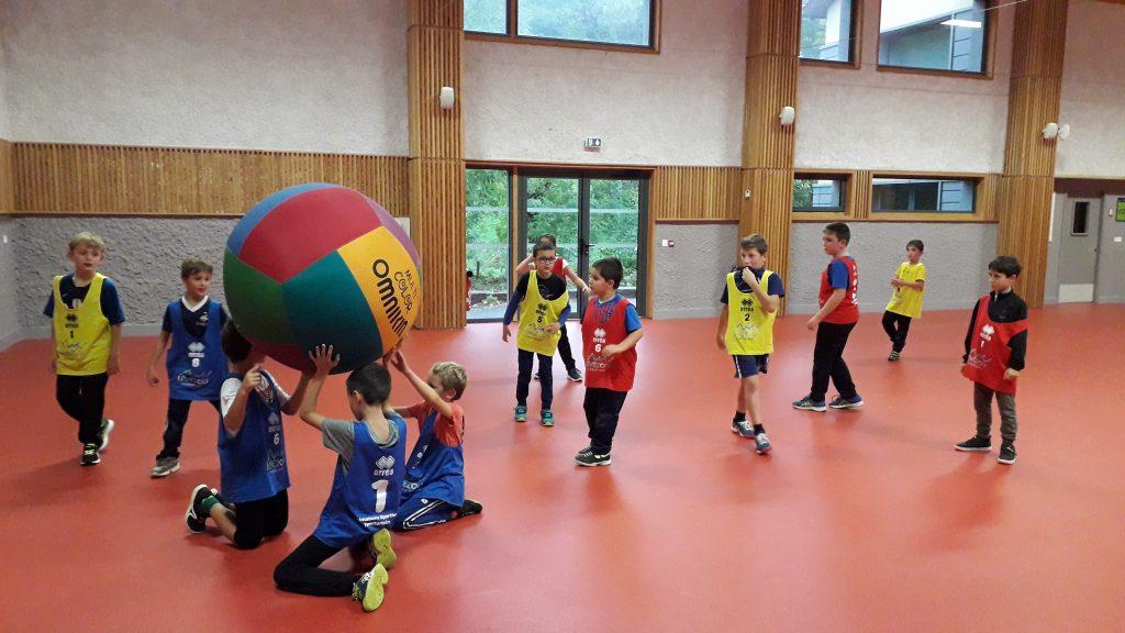 Le syndicat mixte du Lévézou propose aux enfants des activités sportives après l'école sur le Lévézou