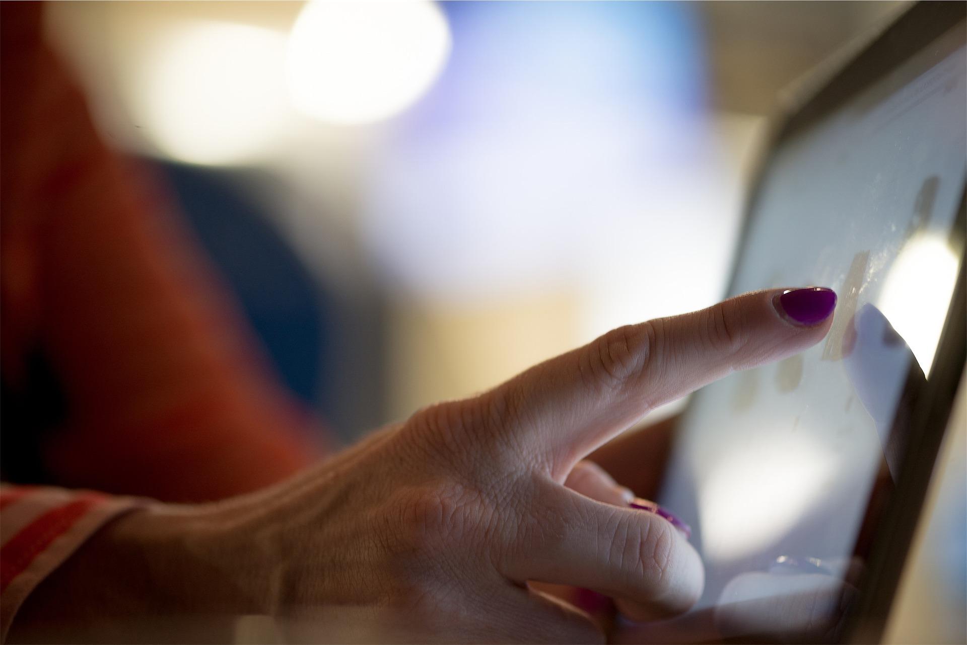 Le Point Info Séniors et le Cantou d'Arvieu organisent des Ateliers numériques sur tablette à Salles curan