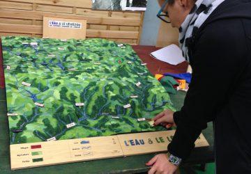 Photo de la maquette ludique du Lévézou. Où placer le Lac de Pareloup ?