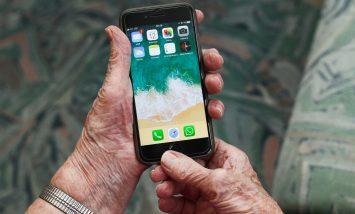 Atelier numérique sur l'utilisation des smartphones proposé par Le Cantou & la Communauté de communes Lévézou-Pareloup